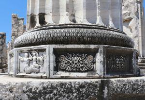 Temple_of_Apollo,_Didyma_06